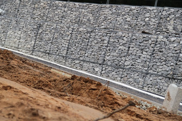 Retaining wall made from wire mesh Gabion Baskets supplied by TCS GEOTECHNICS
