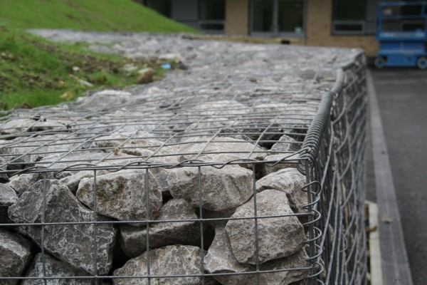 tying wire is used to connect the sides of the wire mesh Gabion Basket
