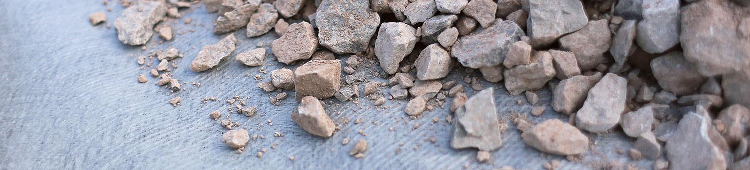 granular rocks ontop of non woven geotextile