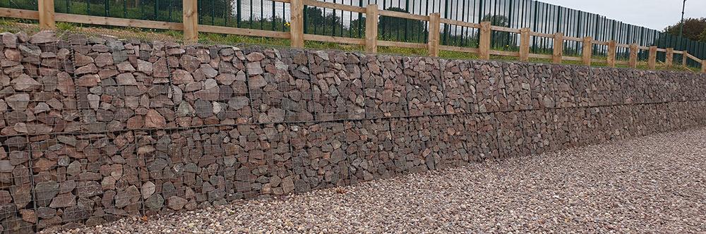 retention wall made using gabion baskets